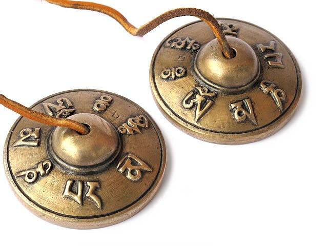 Tibetische Zimbeln 6,5 cm tibetische Schriftzeichen